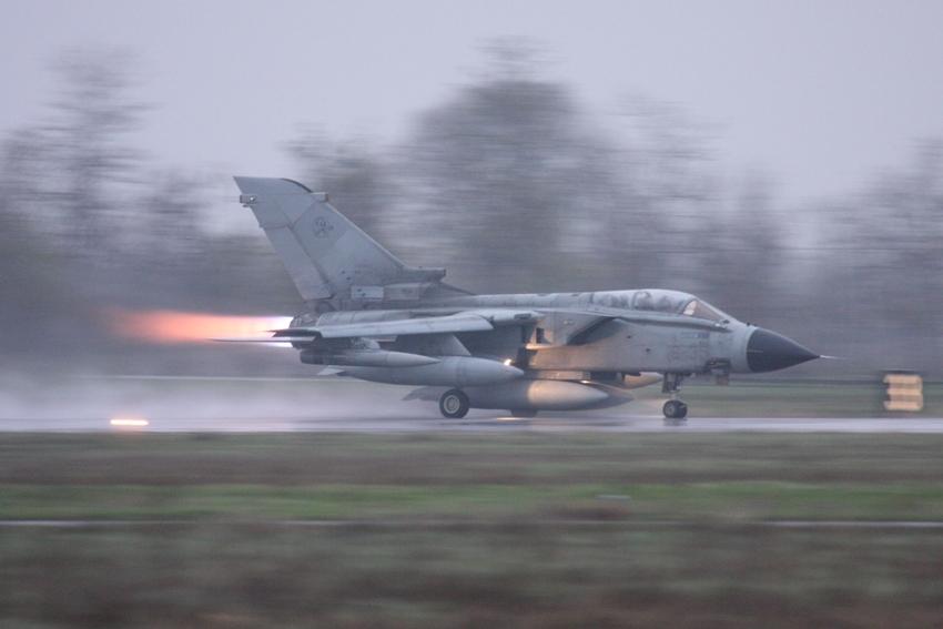 Aeroporto Ghedi : Tornado italiani in missione afghanistan